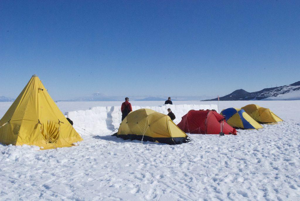 kışın kamp yapmak
